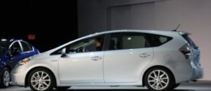 Toyota Prius V Owners Manual   Quick Reference Guide